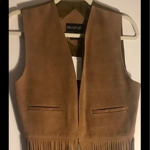 Vintage long fringed vest satiny like lining 🌹